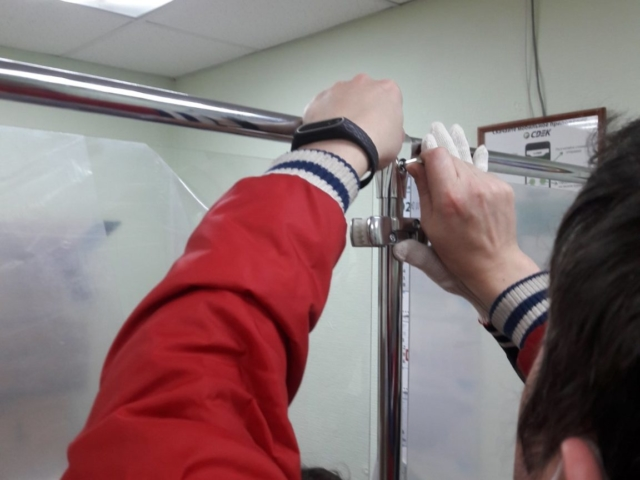 Защитный Экран. Система труб JOKER. По ТЗ заказчика левая створка открывается.